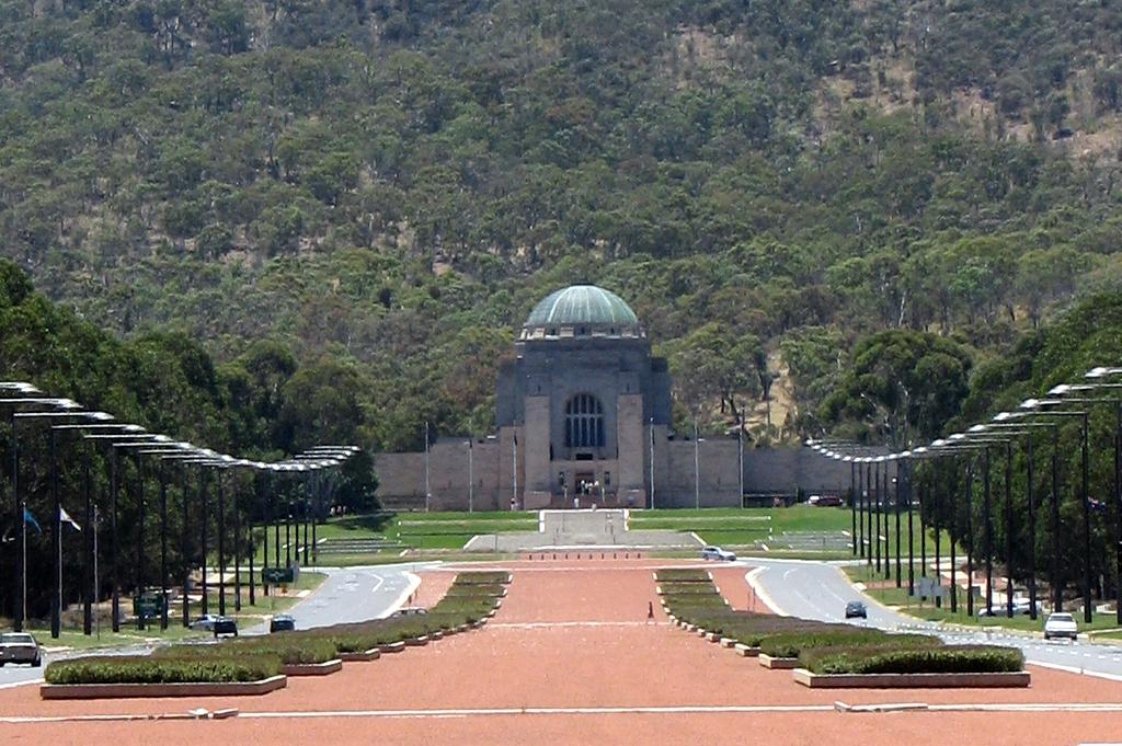 canberra_-_war_memorial_1