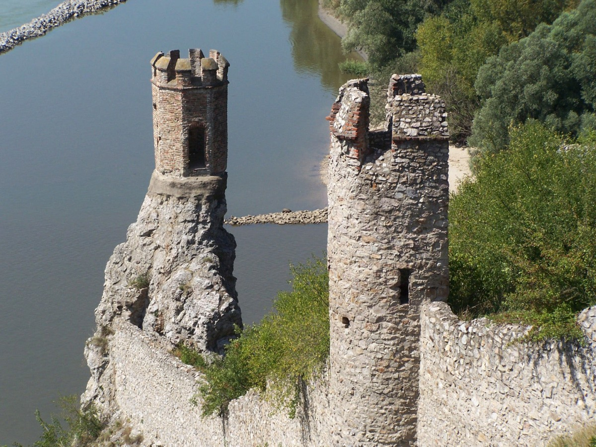 devin-castle-ruins