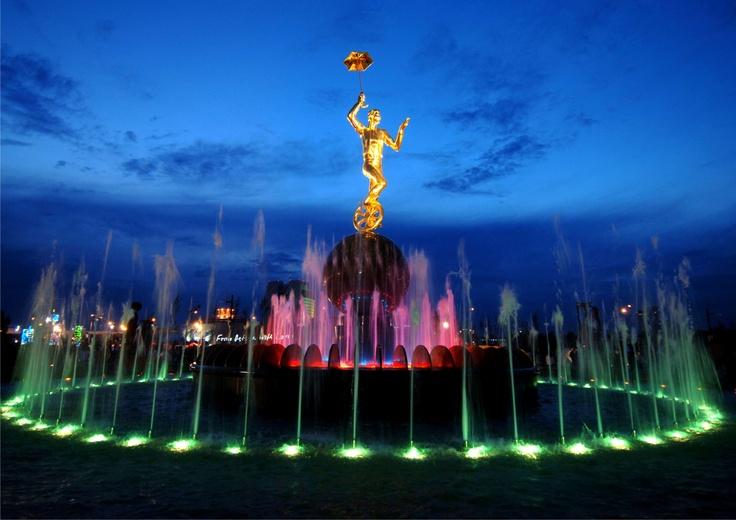 fountain-circus