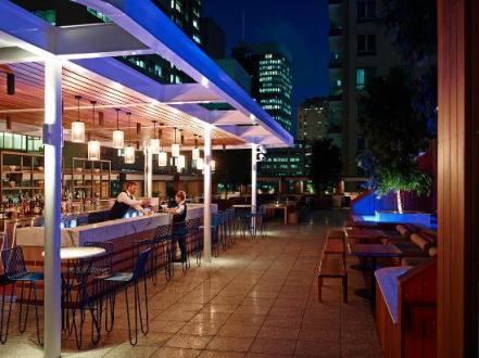 primus-hotel-sydney-pool