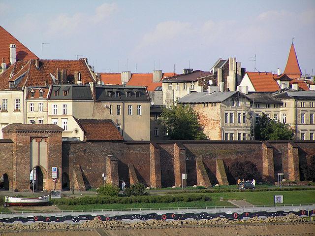 city_walls_torun
