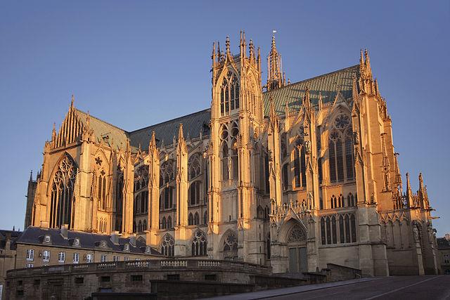 640px-Metz_cathedrale_saint_etienne