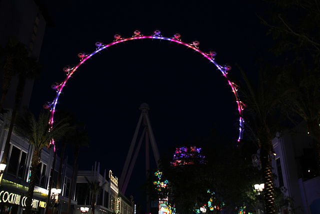 The_High_Roller_-_View_From_The_Linq_3