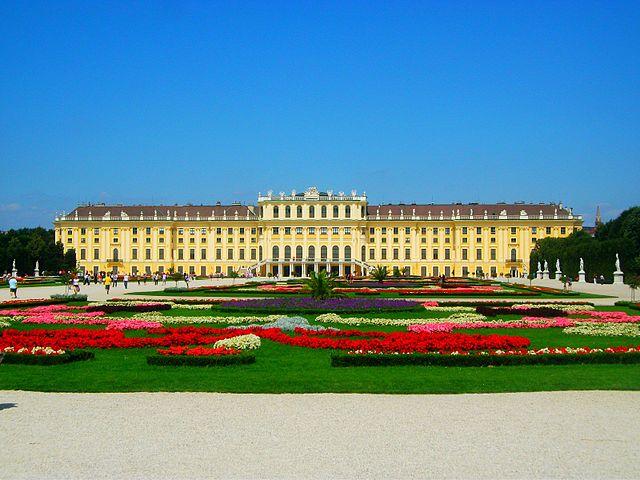 Schönbrunn_Palace